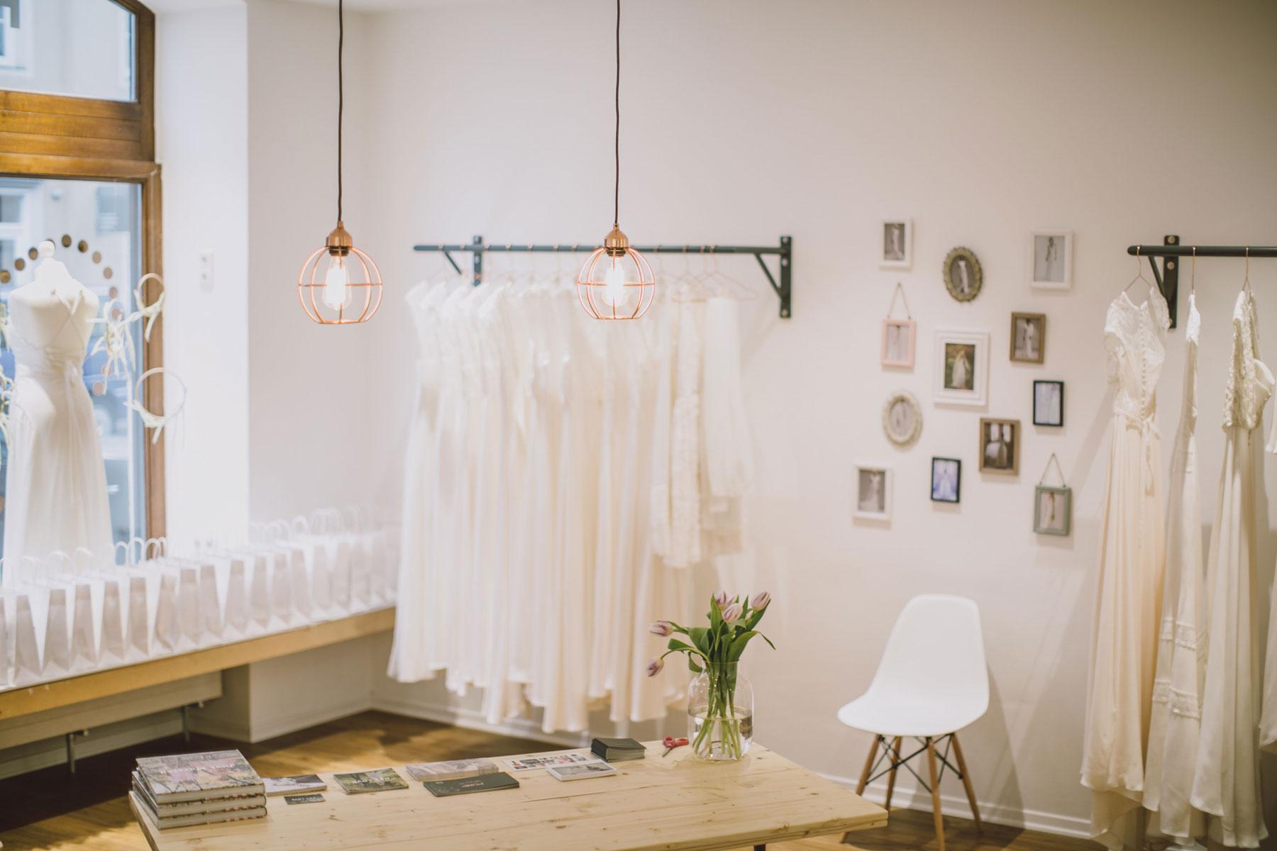 Blick in die HEY LOVE Brautmoden Boutique